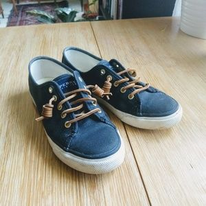 Sperry Topsiders